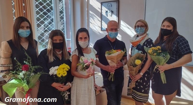 Бивши ученици от Руската се завърнаха да преподават в любимото училище