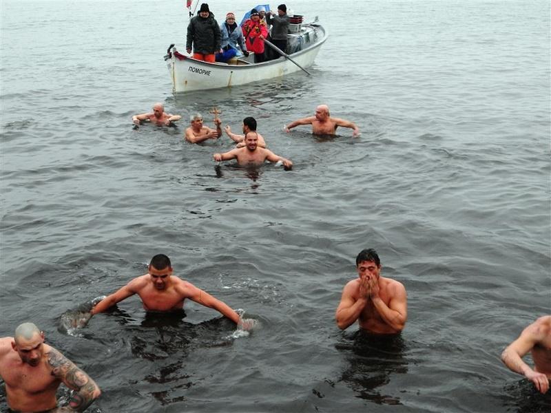 Светият Кръст бе спасен на три места в община Поморие