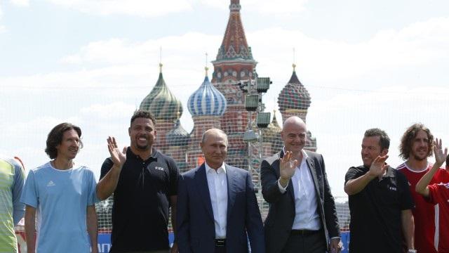 Путин: Руските футболисти са герои