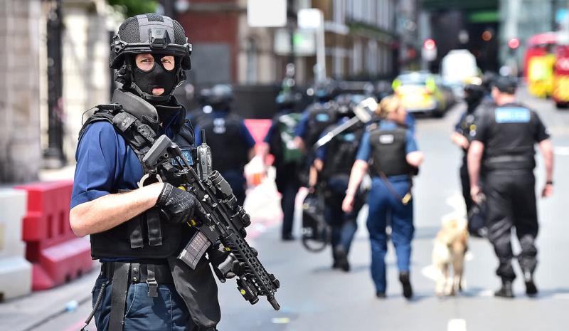 Британската полиция арестува 746-има, използвали криптирана мрежа за комуникации