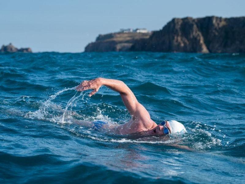 Търсят смелчаци за плувния маратон от остров Св. Анастасия до Моста