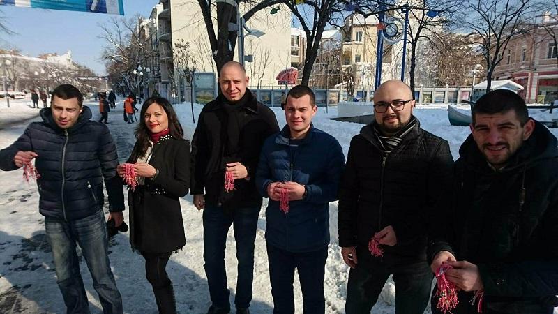 МГЕРБ Бургас стоплиха сърцата на бургазлии с мартенички и пожелания за здраве и късмет