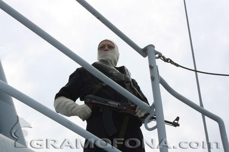 Военни и гранични показаха как се пази морската ни граница