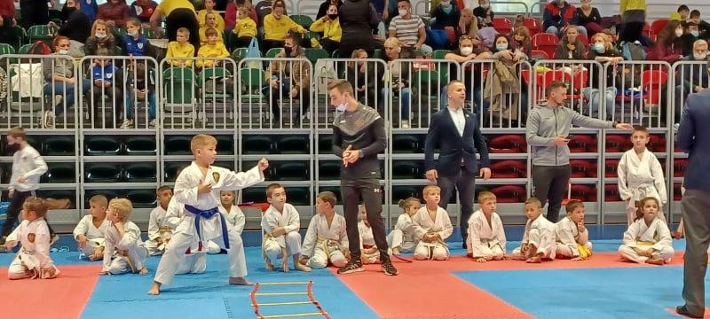11 медала за бургаските каратеки от клуб Цанев на международния турнир Sofia open