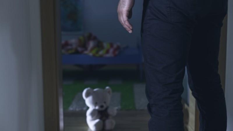 2-годишно дете е с опасност за живота след побой