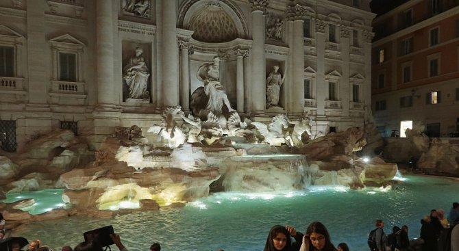 1 млн. долара хвърлят туристи във фонтана ди Треви