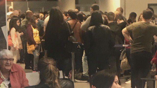 300 българи блокирани на летище в Рим