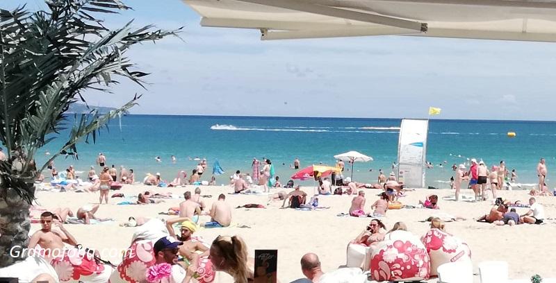 Напук на прогнозите: Слънчев бряг е пълен с туристи
