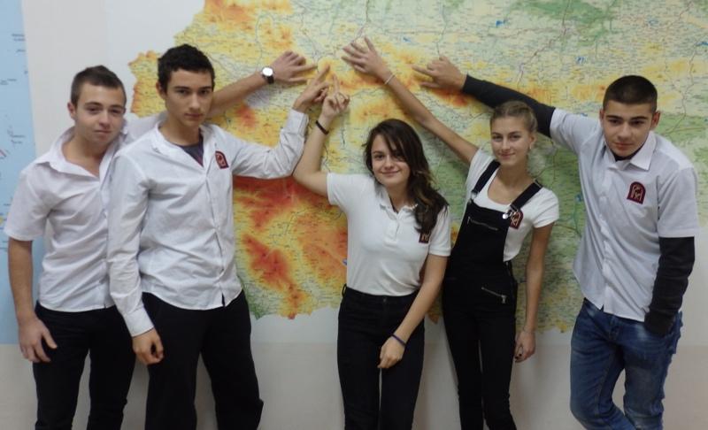 Ученици от Руската гимназия присъстваха на нестандартни уроци в Правец
