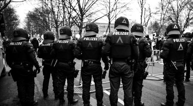 Стрелба в Германия. Жертви и ранени полицаи