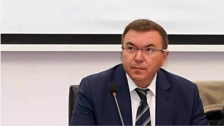 Здравният министър: Нямаме намерение да затваряме градове