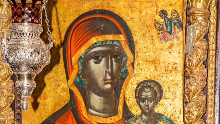 Чудотворната Черна Света Богородица се завръща в Созопол