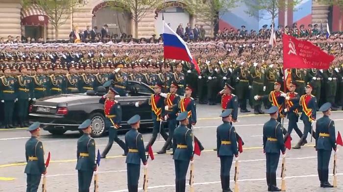 Над 13 600 военни се включват във военния парад в Москва, бойната авиация няма да участва