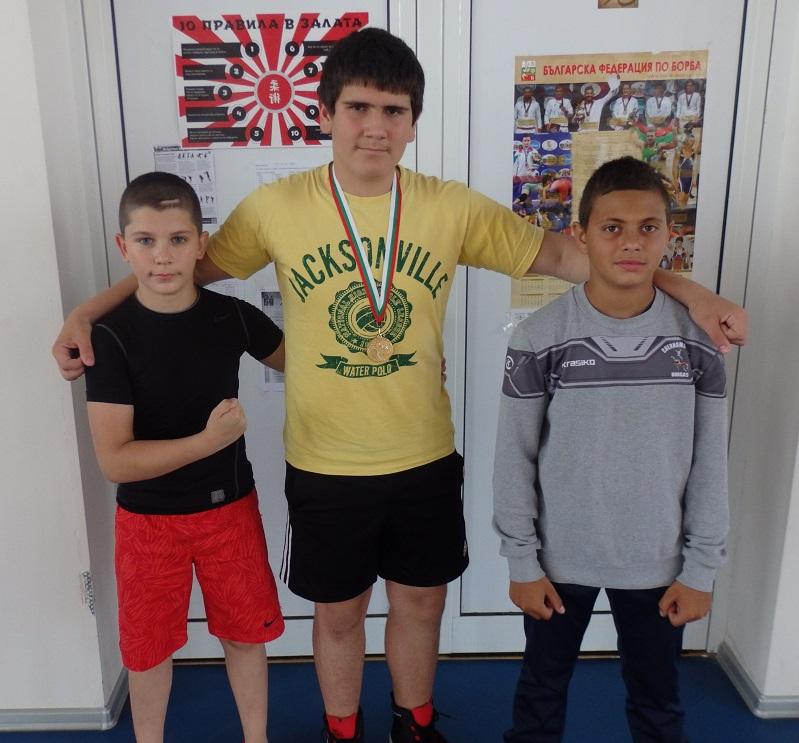 Пореден златен медал в актива на борците от Черноморец