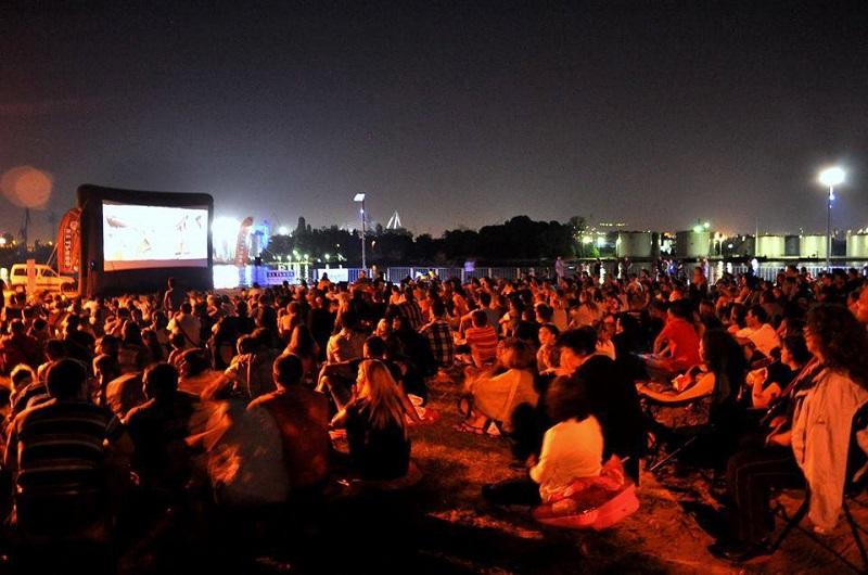 Лятно кино в квартала отново е в Бургас