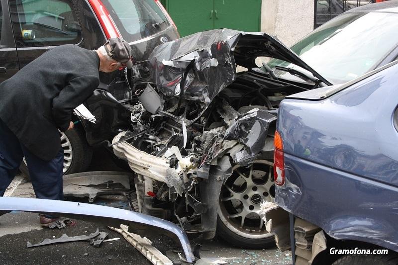 Депутати и застрахователи ще обсъждат лимитите при обезщетение за смърт на пътя