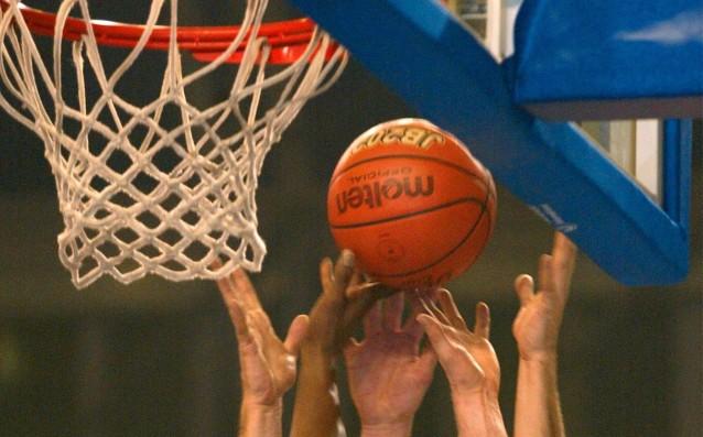 Предлагат часове по баскетбол в училище
