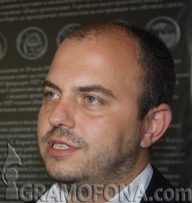 Депутатът Стефан Кенов с постоянна приемна в Бургас