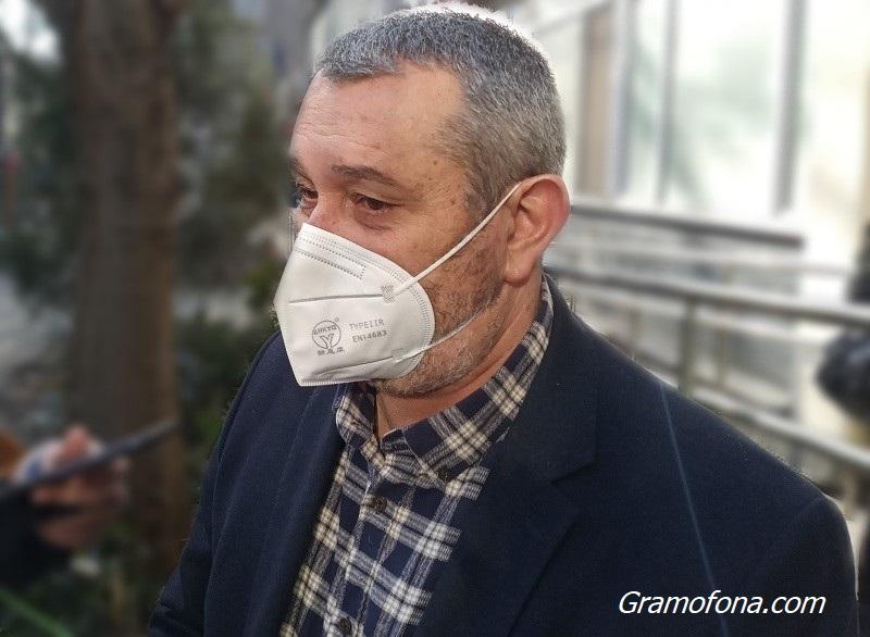 Падат ли маските на открито? Щабът в Бургас решава в момента