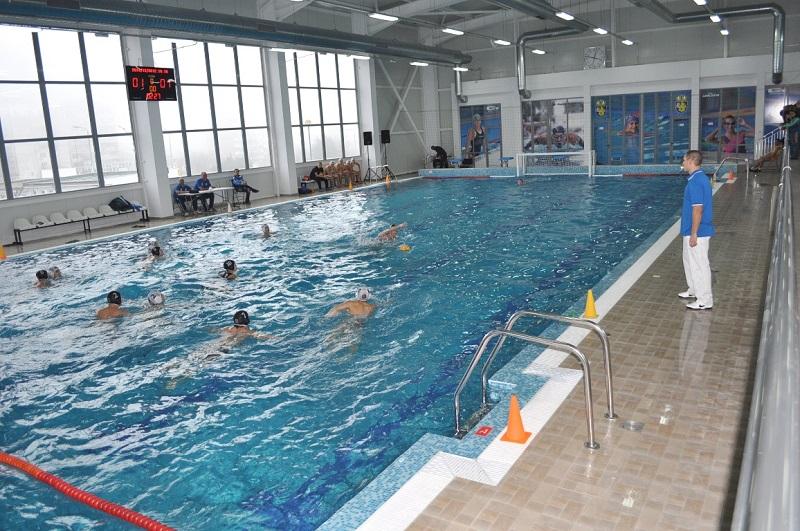 Плуваме и играем безплатно в Деня на спорта