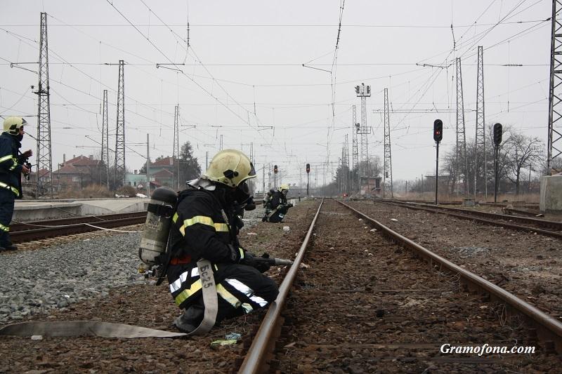 Късо съединение в локомотива на влака от Ямбол към Бургас