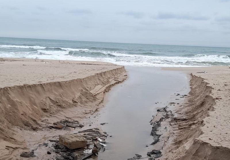 Проливните дъждове отнесоха плажовете на Созопол