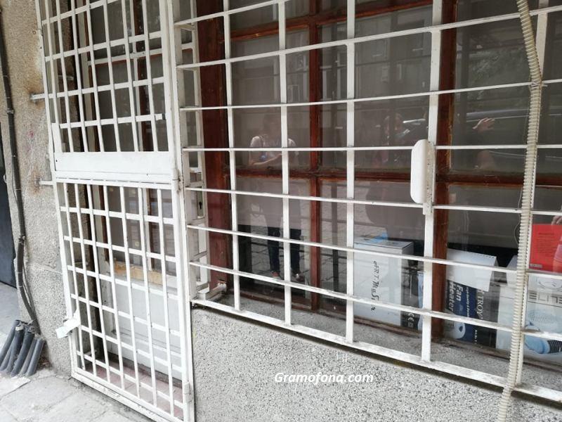 """Постоянен арест за задържания за убийството на ул. """"Ивайло"""" в Бургас"""
