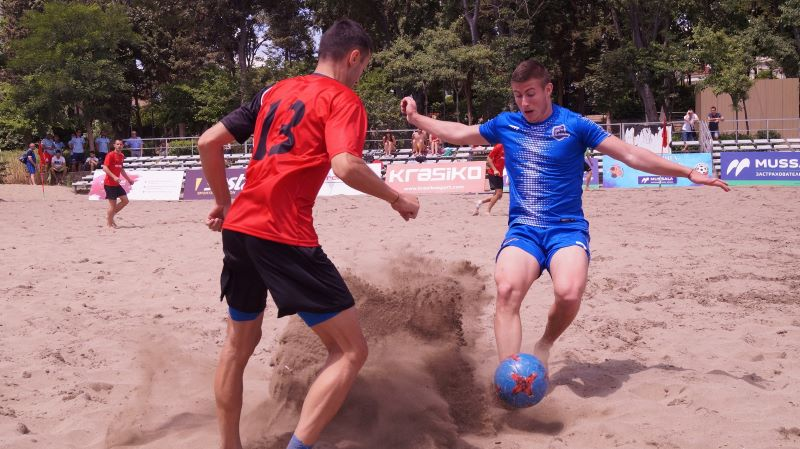 Три отбора са с пълен актив след първите два кръга на държавното по плажен футбол в Бургас