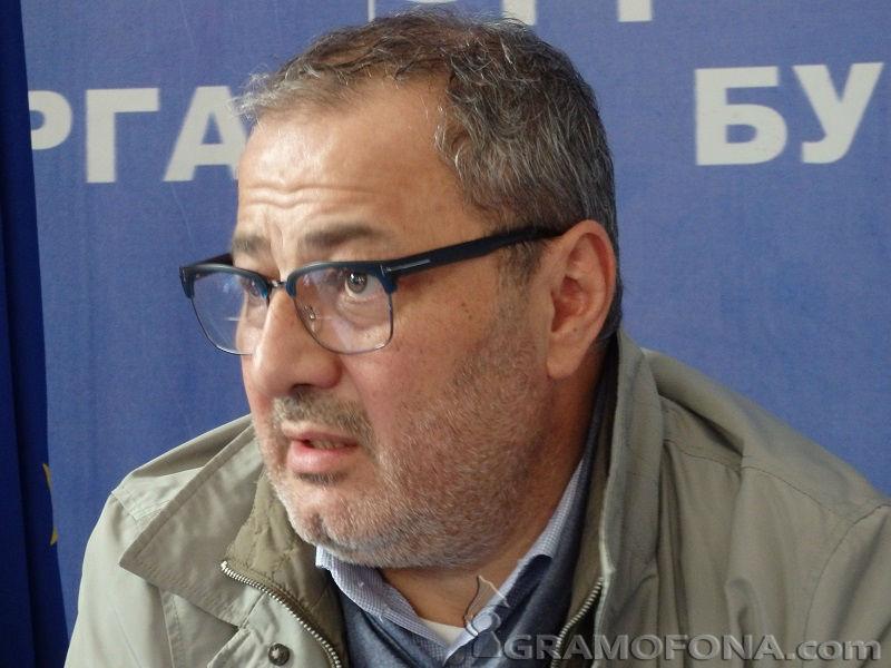 Митев си тръгва разочарован, но не от ДСБ, а от Радан Кънев