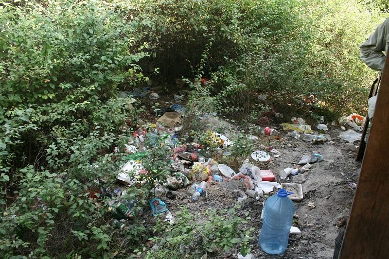 Туристи пълнят Странджа с боклуци