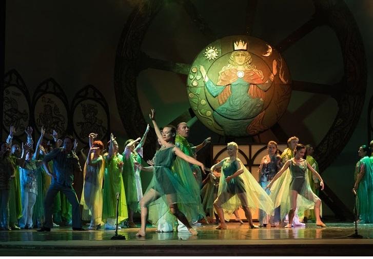 Кармина Бурана и премиера на Пахита - в неделя на Летния театър