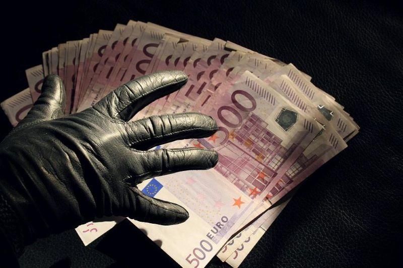 Варненка е откраднала над 16 000 евро докато е била в Германия