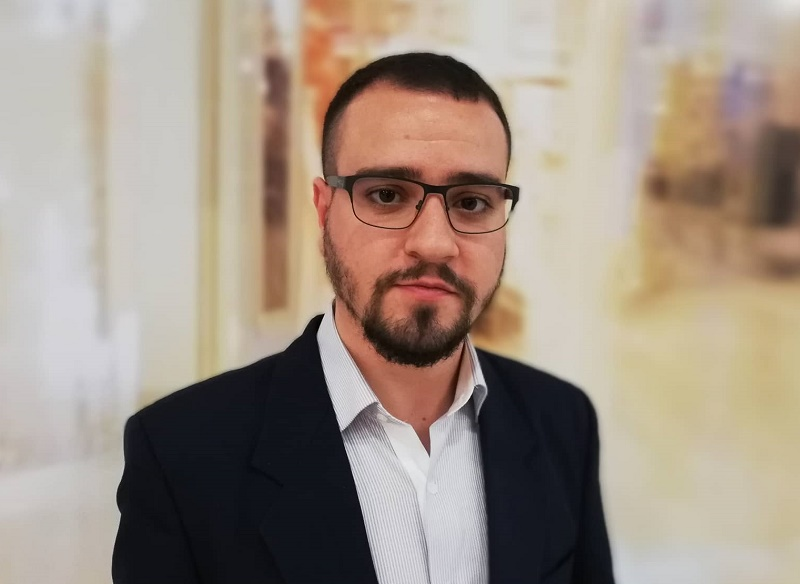 Младежкият лидер на СДС – Бургас: Хора, протестирайте!