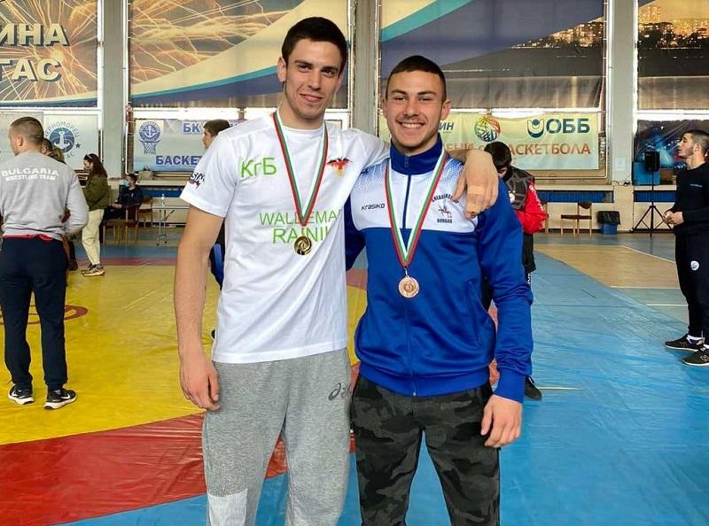 Младите борци от Черноморец добавиха нови медали към актива си