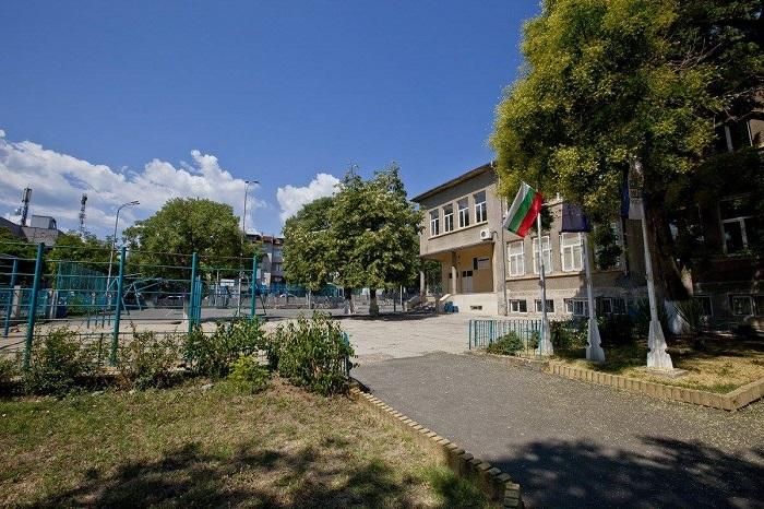 Санират училището в Царево по европроект