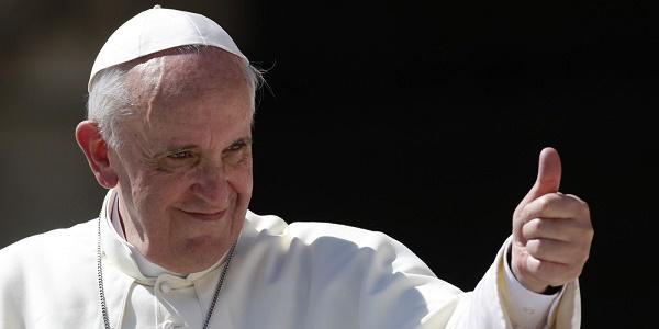 Папа Франциск позволи на жените да кърмят в църквата