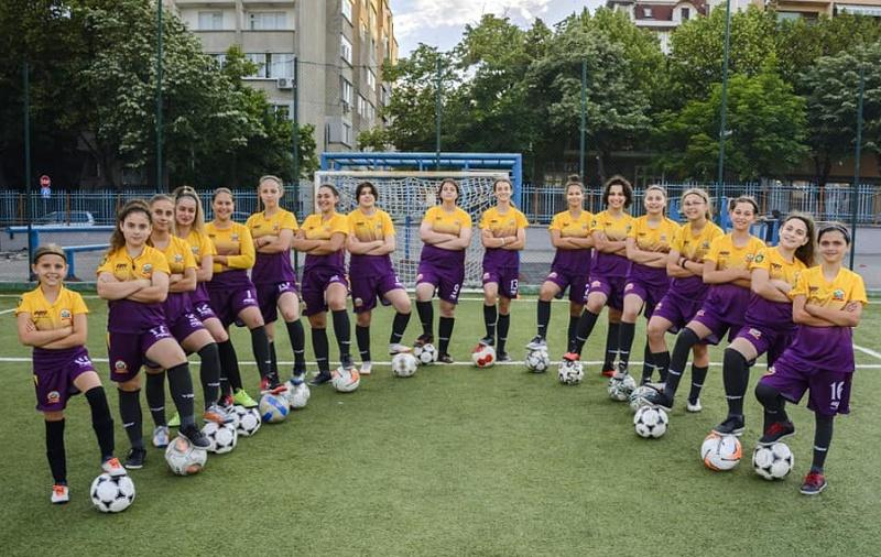 """Женски футболен турнир започва в """"Славейков"""""""