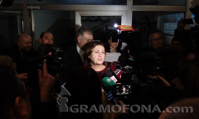 Румяна Бъчварова в парламента: 90 задържани при нощна акция в Слънчев бряг