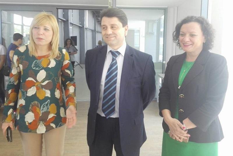 Зам. министърът на МВР Красимир Ципов на дискусия за наркотиците в Бургас