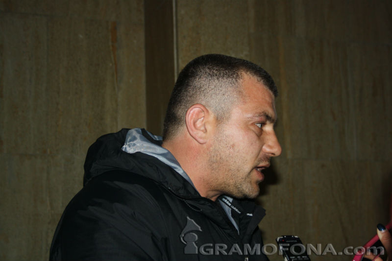 Братовчедът на Мартин Душев: Полицаи насочиха пистолет в главата на детето ми