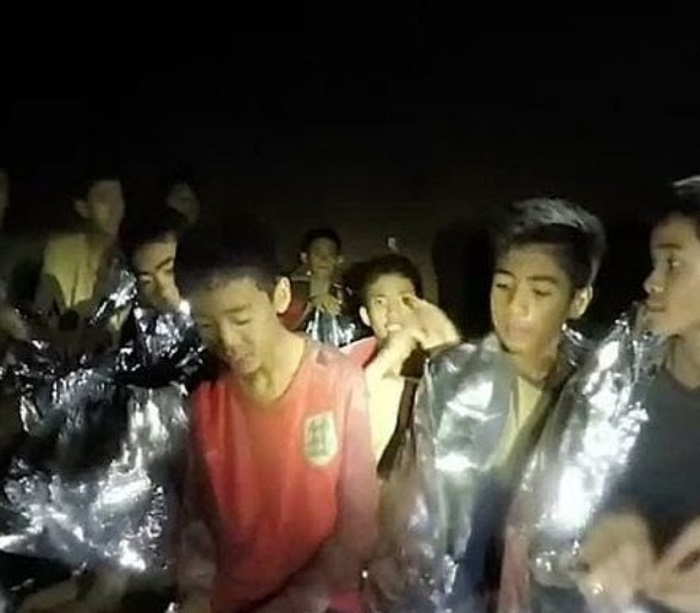 8 са вече спасените момчета от пещерата в Тайланд