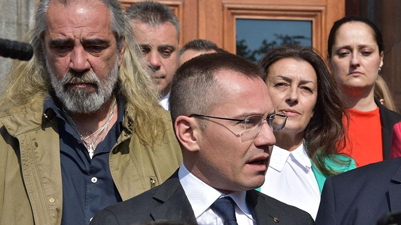 И пак обрат: Андрей Слабаков ще пуши в Брюксел, засега