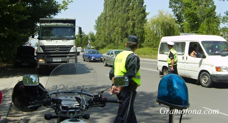 Ришкият проход е затворен заради катастрофирал камион