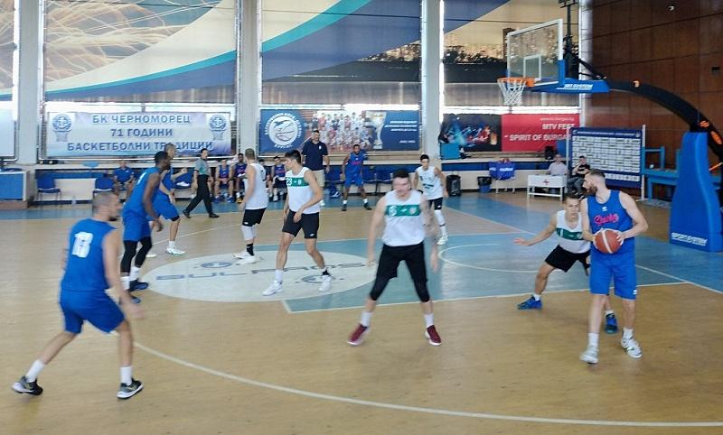 """Баскетболният """"Черноморец"""" започна с голяма победа предсезонната си подготовка"""