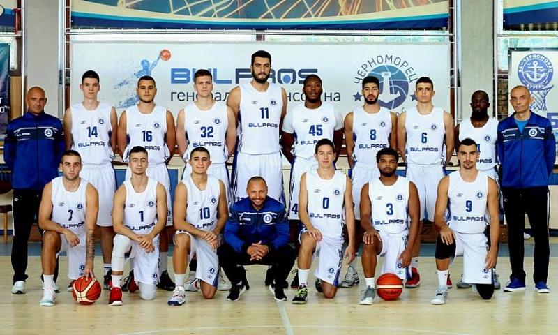 """""""Черноморец"""" ликува в морското баскетболно дерби"""