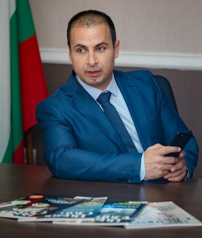 Местен политик бие тревога: Чакаме хиляди гости в Бургас, а нямаме хотели