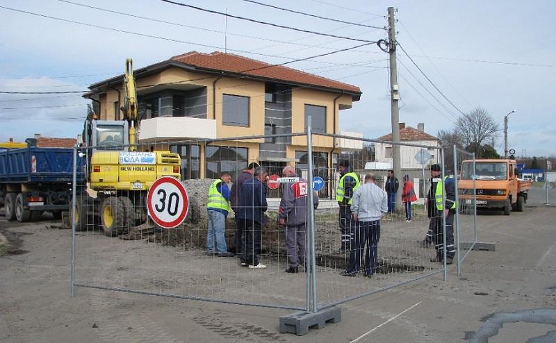 Копаят за нова канализация в Българово. Въоръжете се с търпение,  ако живеете там