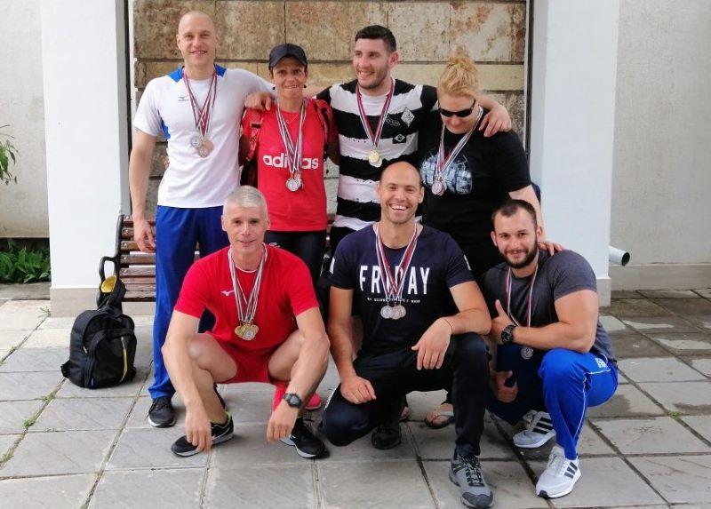 Бургаските полицаи – най-добри по плуване