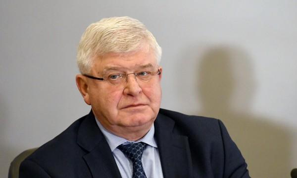 Борисов към здравния министър: И на теб да ти спрем заплатата, и ти ще си недоволен
