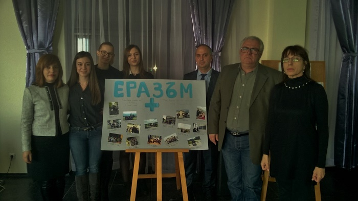 ПМГ-Бургас обучава ученици в предприемачество по европейска програма